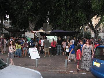 Street screening of Yourofsky's speech during the Israeli mass Social Justice protests in Tel Aviv, summer 2011.